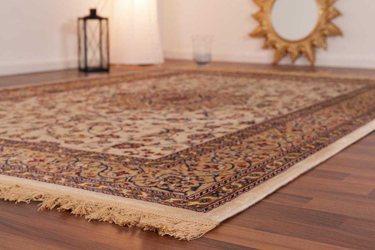 tapis style oriental coloris ivoire fabris. Black Bedroom Furniture Sets. Home Design Ideas