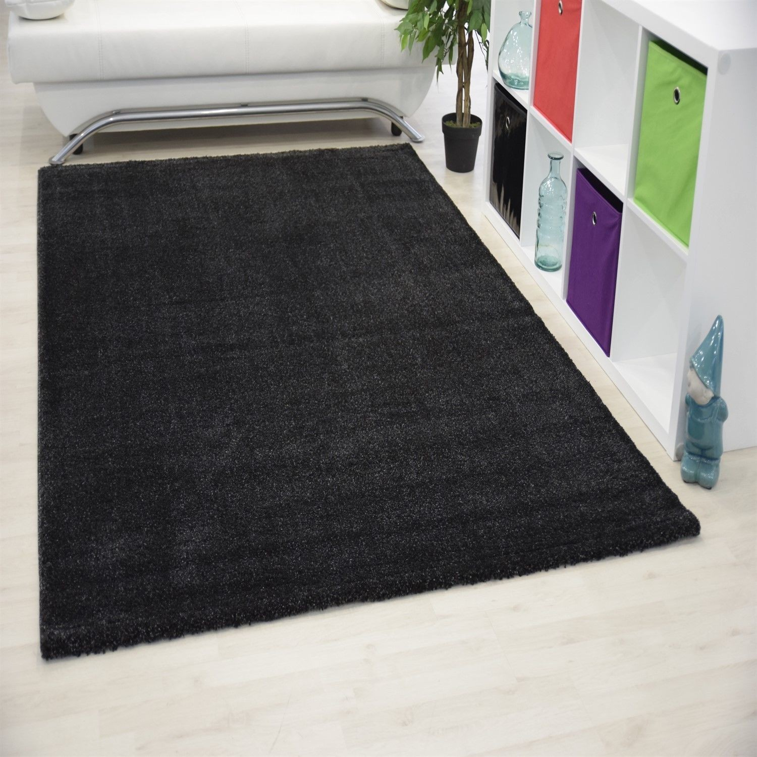 grand tapis salon. Black Bedroom Furniture Sets. Home Design Ideas