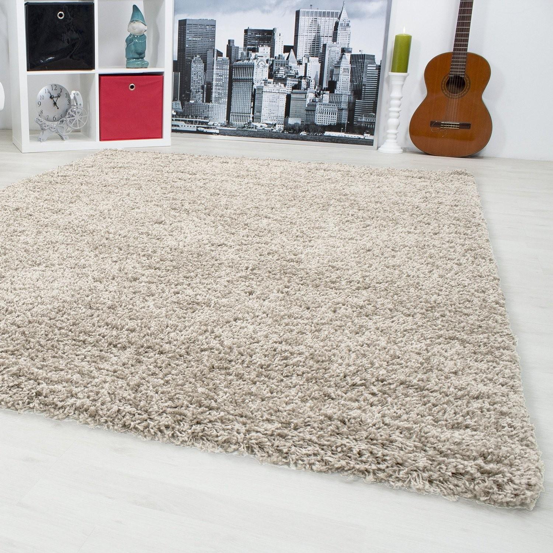 Tapis shaggy beige moderne tapis design uni en for Tapis rond beige pas cher