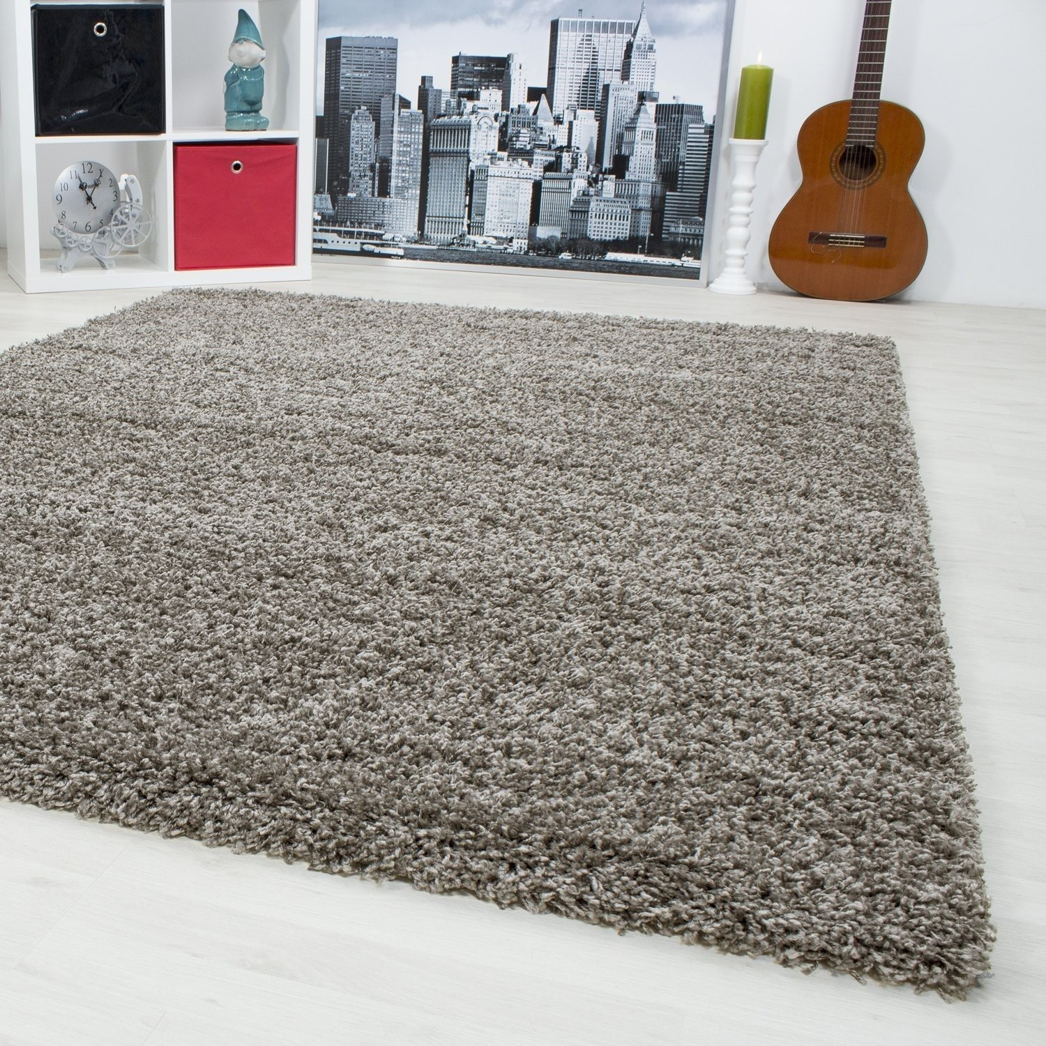 tapis shaggy taupe moderne tapis design uni en. Black Bedroom Furniture Sets. Home Design Ideas