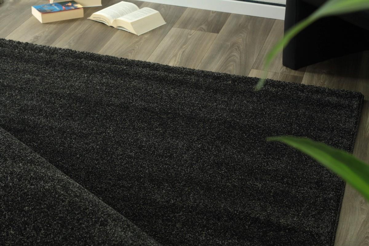 tapis uni gris fonc en polyester tiss lumia 4pas cher. Black Bedroom Furniture Sets. Home Design Ideas