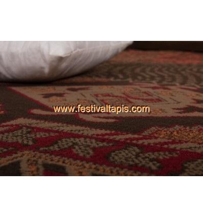 tapis patchwork de couleurs rouge vif et marro convers. Black Bedroom Furniture Sets. Home Design Ideas