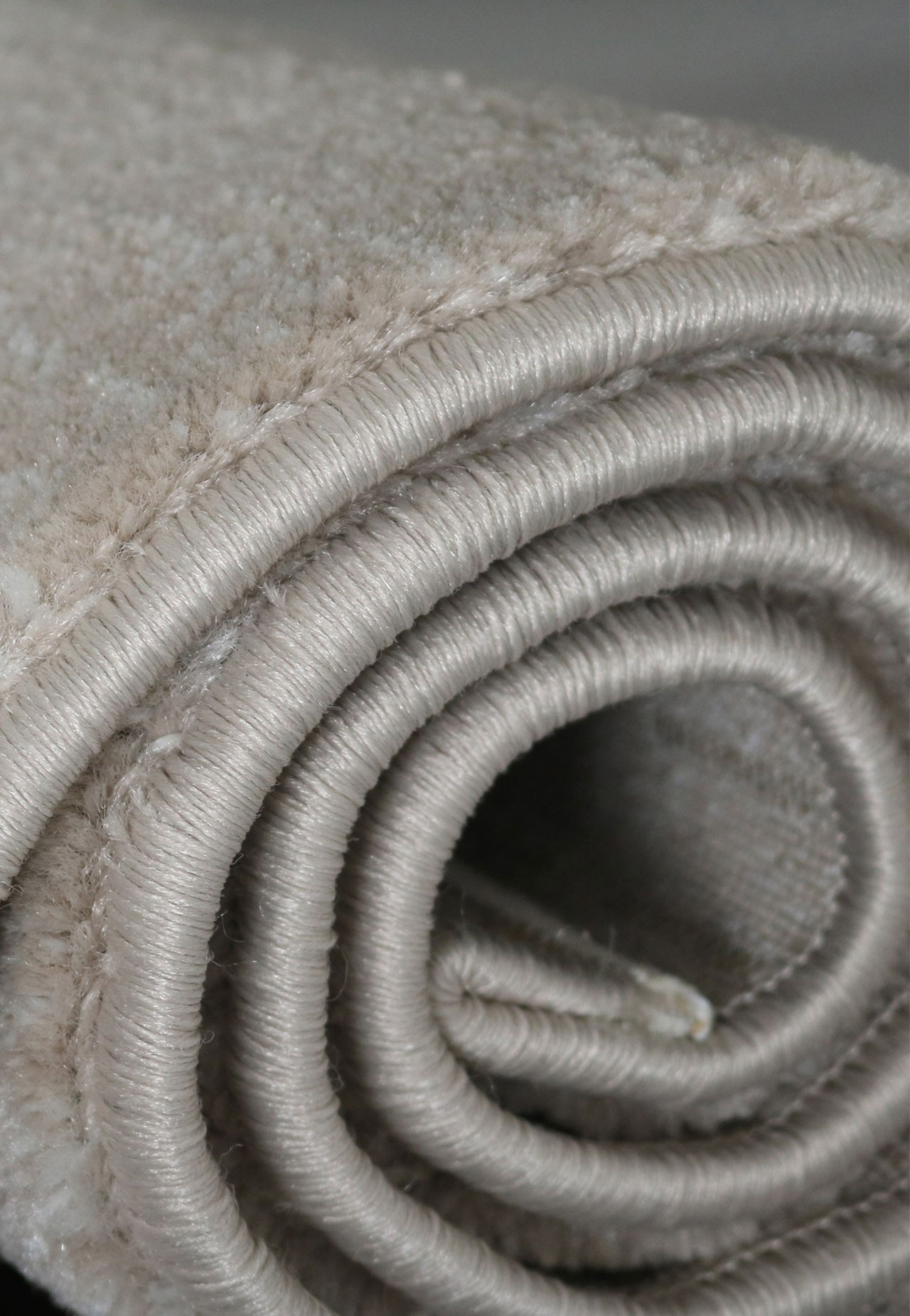 Tapis à poils courts moderne beige soft universal