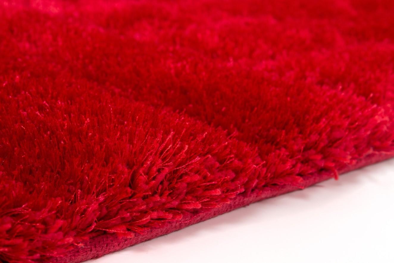 Tapis Shaggy effet 3D coloris rouge motif carré MODELE