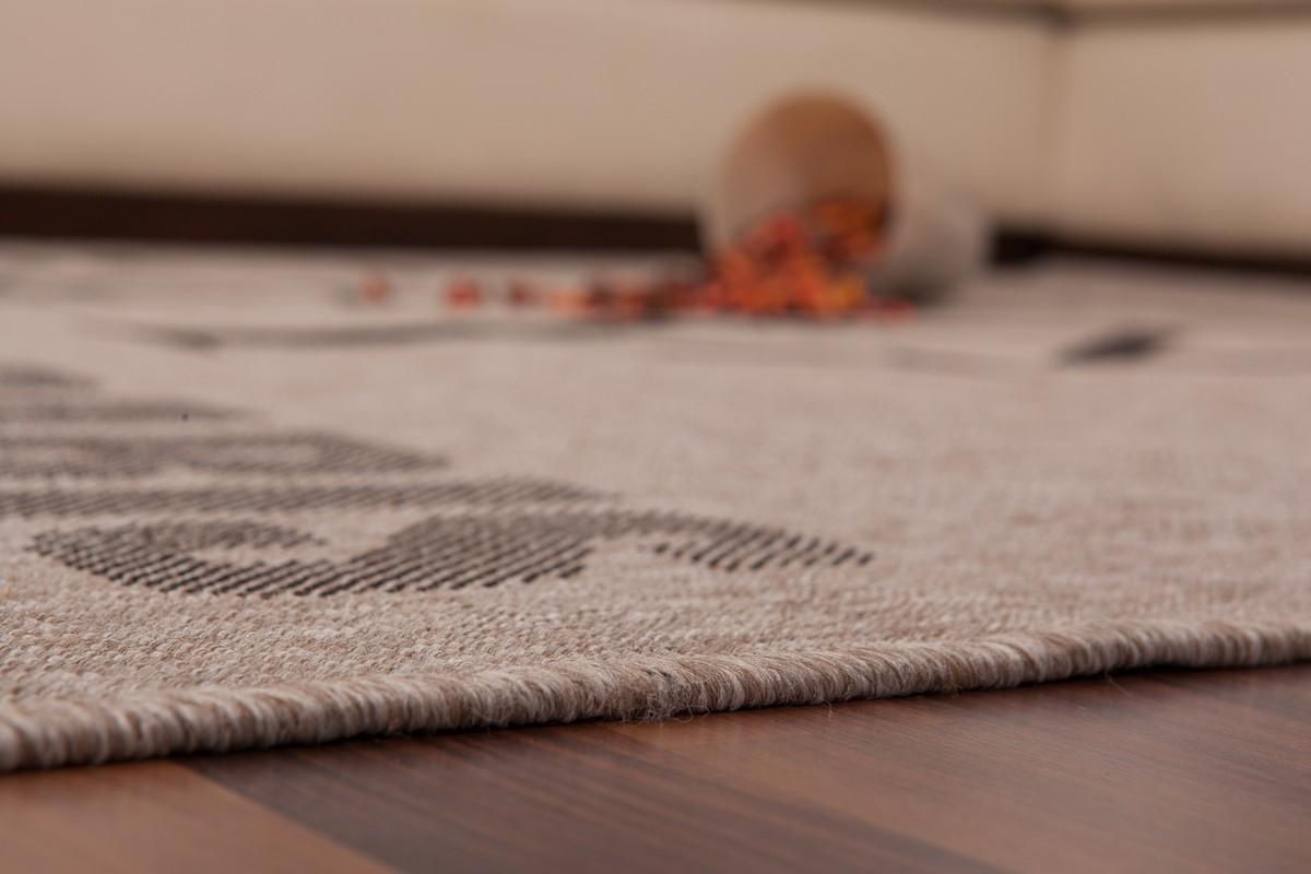 tapis effet sisal avec imprim m tropole coloris marron. Black Bedroom Furniture Sets. Home Design Ideas