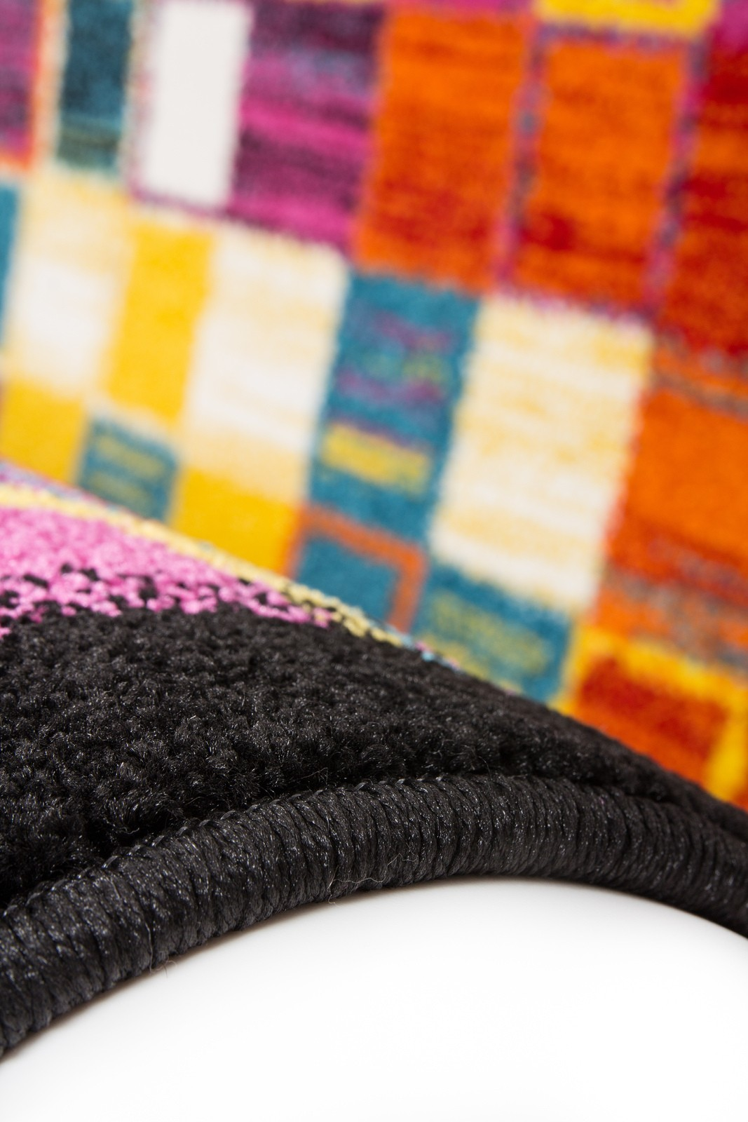 excellent cool tapis design multicolore pour salle manger salon bruno with tapis multicolore fly. Black Bedroom Furniture Sets. Home Design Ideas