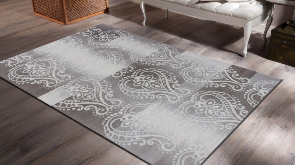 tapis design vintage en acrylique avec lurex gris silver. Black Bedroom Furniture Sets. Home Design Ideas