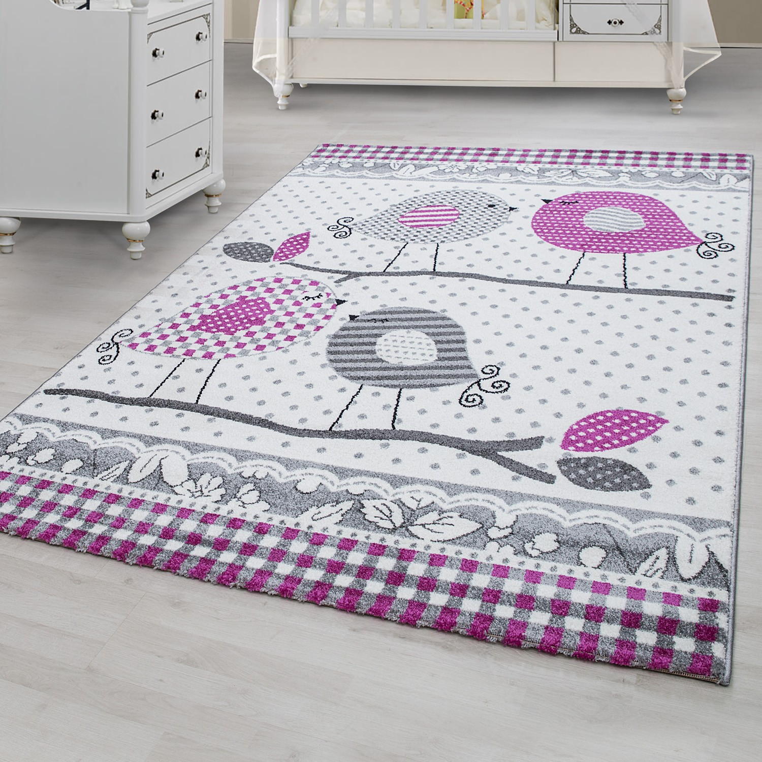 tapis pour chambre bebe fille lila rose et gris. Black Bedroom Furniture Sets. Home Design Ideas