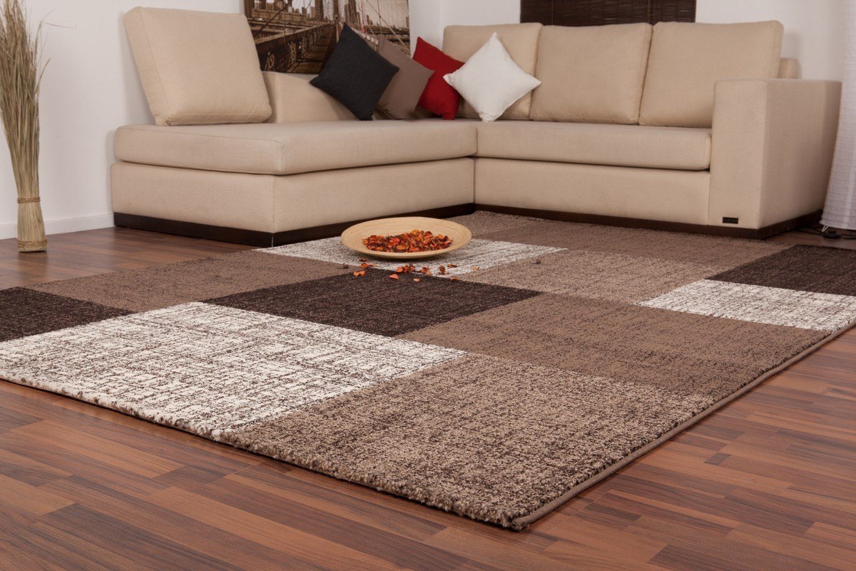Tapis d 39 int rieur patchwork coloris brown lord for Salon moderne beige marron
