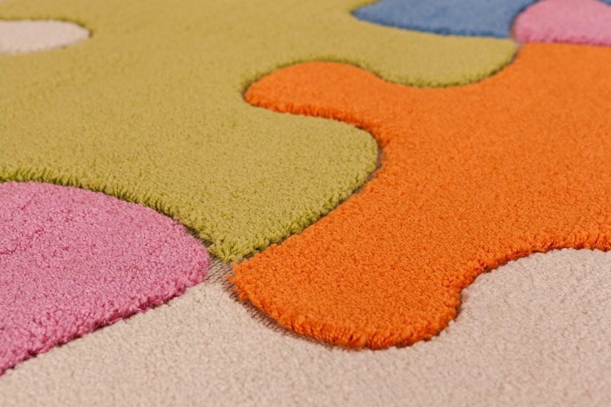 tapis de chambre pas cher peau de mouton teinte violette violet mauve tapis peaux fourrures. Black Bedroom Furniture Sets. Home Design Ideas
