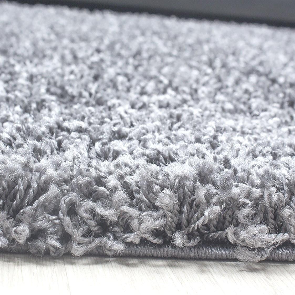 tapis shaggy gris clair moderne tapis design uni en