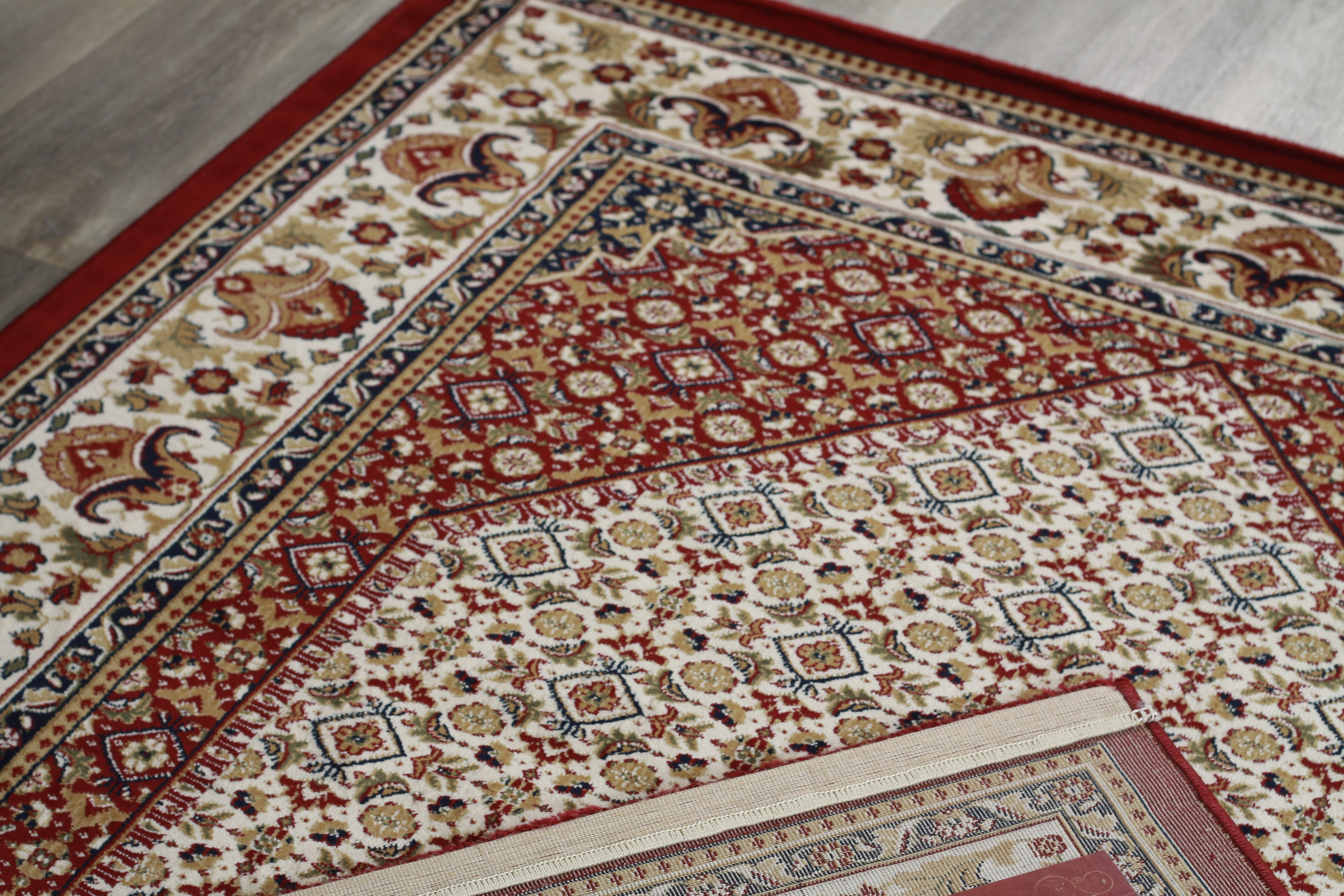 tapis style d 39 orient rouge motif g om trique en polypropyl ne gafsa 3. Black Bedroom Furniture Sets. Home Design Ideas